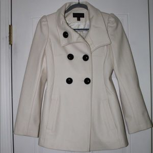 Beautiful white pea coat fully lined, very warm